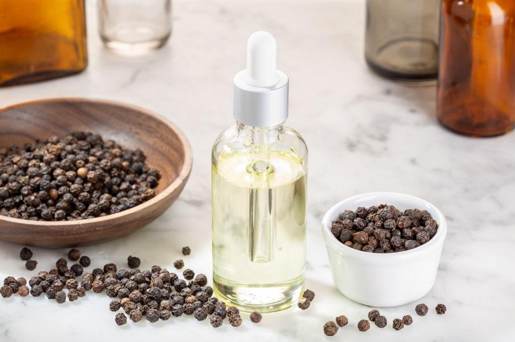 Black pepper oil-Organic pepper